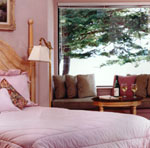 Romantic Bed and Breakfast - Pacifica Room